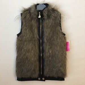 NWT Betsey Johnson girls faux fur vest